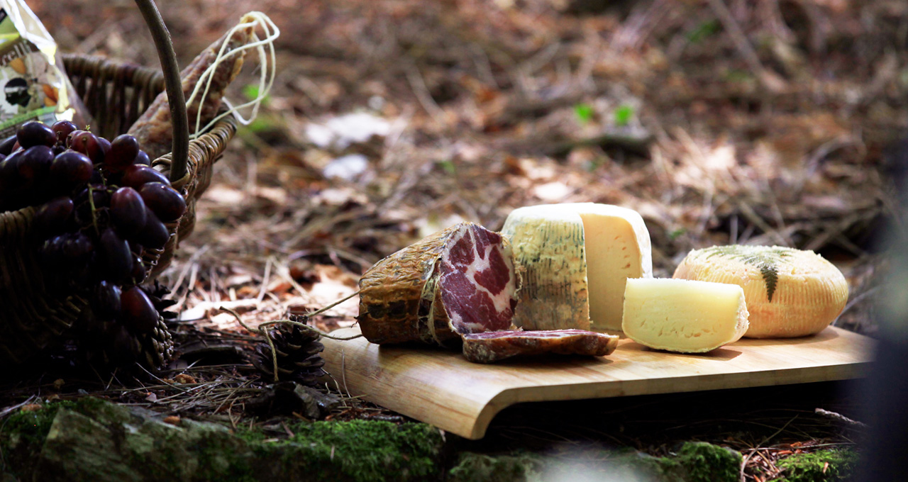 Corsican gastronomy, cooked meats and cheese